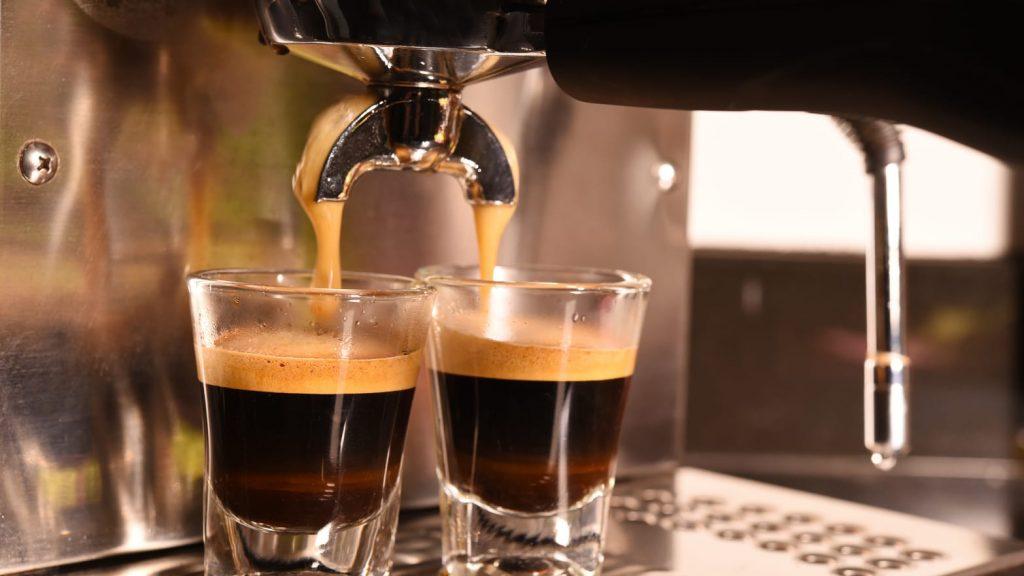 Rijke koffie in uw eigen huis